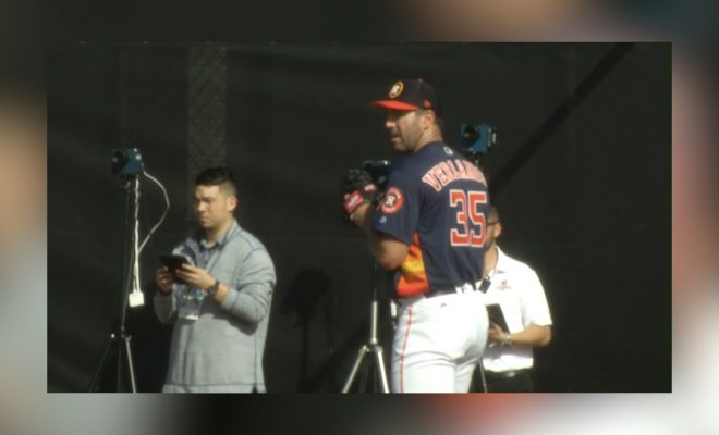Image of Justin Verlander at pitching practice during spring training