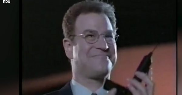 Image of Robert Wuhl in HBO's Arliss