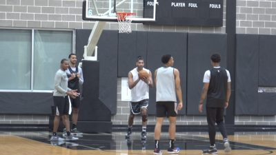 Image of Spurs players in practice facility